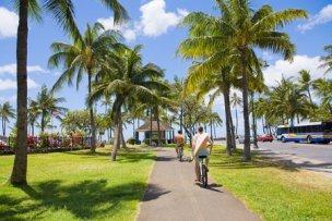 12287601 - hawaii sea  bicycle waikiki
