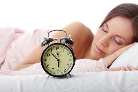 寝起きが悪い、寝起きがだるい、寝起きがツライという人は理由があった!その原因とスッキリ起きる方法!