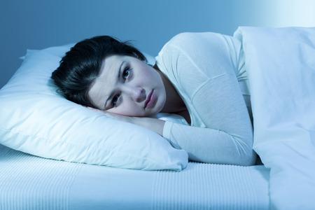 「睡眠障害」眠れない症状を改善するには