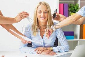 45139904-オフィスのストレス無料のビジネス女性