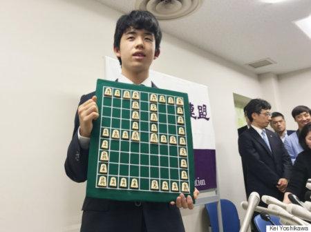 藤井聡太四段が前人未踏の29連勝!30年ぶり新記録!